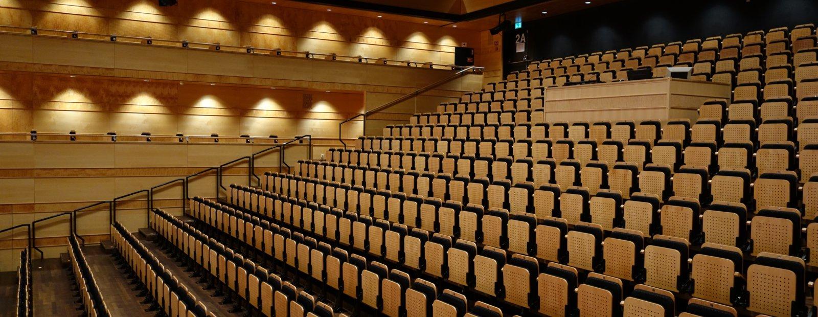 http://maihaugsalen.no/var/ezdemo_site/storage/images/maihaugsalen/om-maihaugsalen/4295-7-nor-NO/Om-Maihaugsalen_top_image.jpg